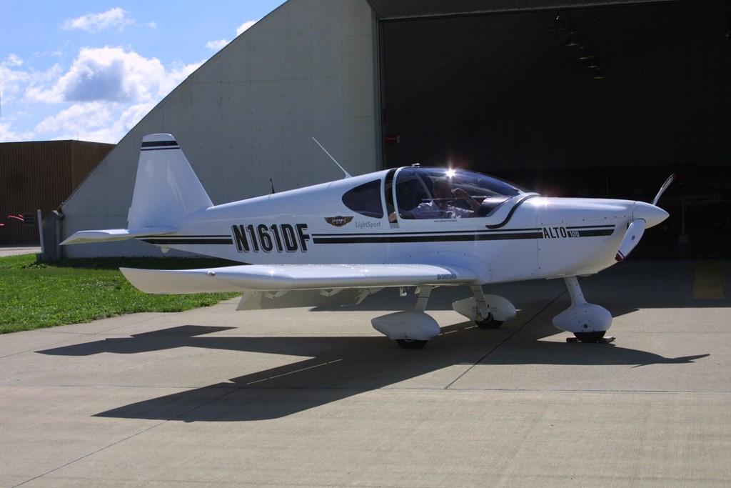 Corbi Air Alto 100 Light Sport aircraft